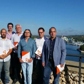Cs Mahón denuncia el mal estado de las obras recién acabadas de la 'Costa des Teatre'