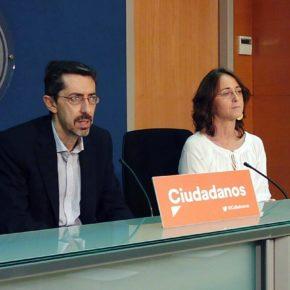 """Fernando Navarro: """"Cs está negociando el aumento del descuento de los vuelos interislas al 75% en Baleares"""""""