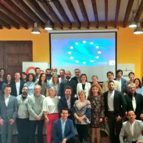 Jordi Cañas y Adrián Vázquez imparten una conferencia acerca de los retos a los que nos enfrentamos en Europa