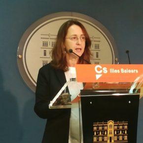 """Olga Ballester: """"El Govern está generando una situación de caos y de discriminación en la sanidad balear al promover una política identitaria"""""""