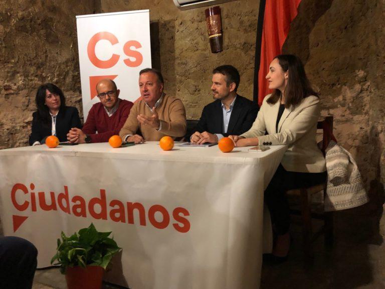 http://baleares.ciudadanos-cs.org/wp-content/uploads/sites/27/2019/04/Encuentro-Cs-Llucmajor-768x576.jpg