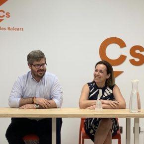 El Comité Autonómico de negociación de gobiernos se reúne y acuerda iniciar contactos con PP y PSOE para buscar acuerdos de gobernabilidad
