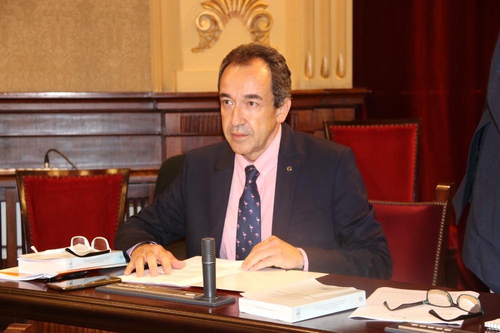 """Gómez (Cs): """"Nos vemos abocados a recortes en los servicios y una previsible subida de impuestos en 2020"""""""
