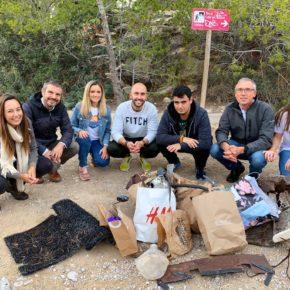 Jóvenes Cs Baleares realizan un acto de sensibilización ambiental contribuyendo a la limpieza del bosque de Sant Elm en Andratx