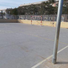 Cs Palma alerta del peligro que suponen los muros y postes de la pista multiusos de Es Pil.larí