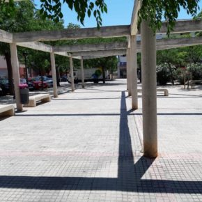 Cs Palma reclama un parque infantil accesible en la Plaza de Tarent en La Vileta